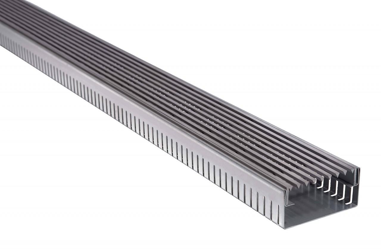Fassadenrinnen mit Abdeckung Typ E7, Längsstabrost / Linear Rost - wasserdurchlässig