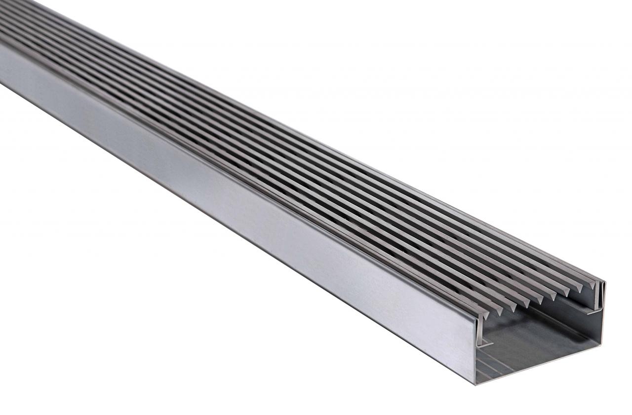 Fassadenrinnen mit Abdeckung Typ E7, Längsstabrost / Linear Rost - geschlossen